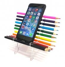 כסא עפרונות צבעוניים